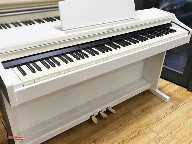 Đàn Piano Roland RP 501 RW