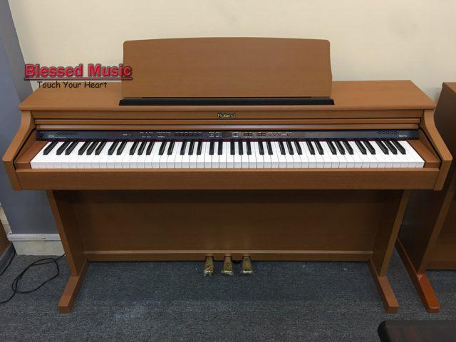 Piano Roland HP 203